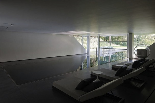 Indoor-Pool-of-the-GENETS-3-House-in-Belgium-by-AABE