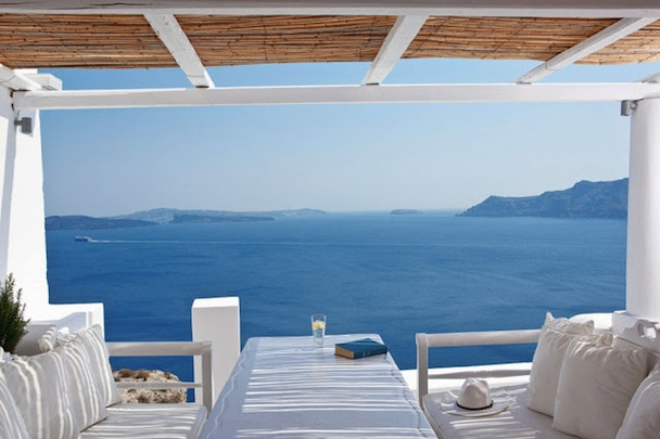 Katikies-Hotel-in-Oia-Santorini-Greece-2
