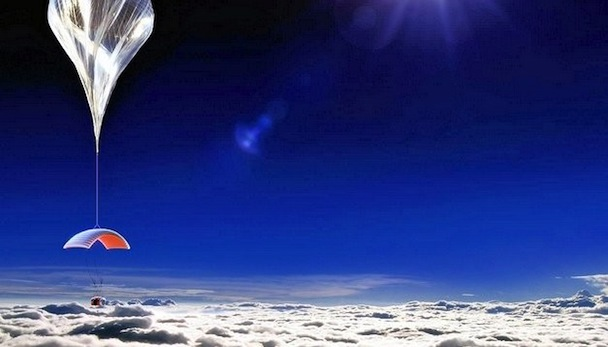 space-tourism-balloon-world-view-0