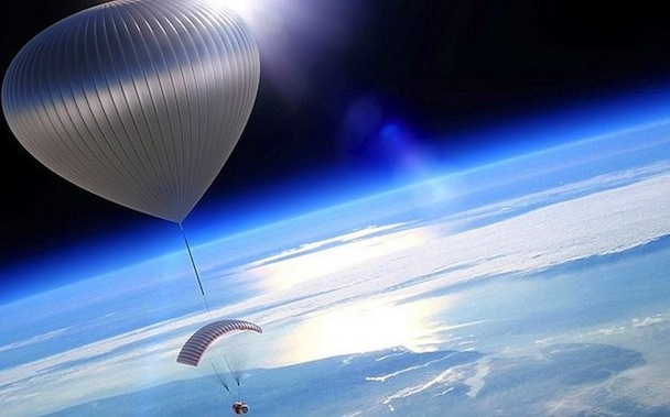 space-tourism-balloon-world-view-1