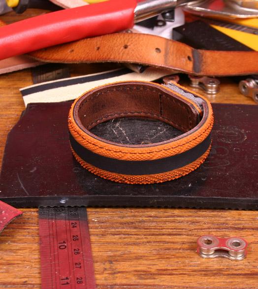 bracelet_tire-lifestyle-orange4