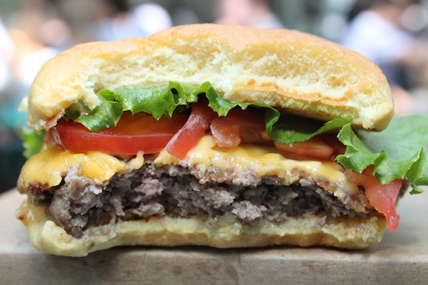 shake-shack-madison-square-park-new-york-shack-burger-inside-610x407