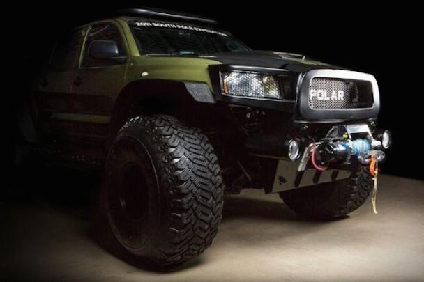 Toyota-Tacoma-Polar-Expedition-Truck-3-570x380