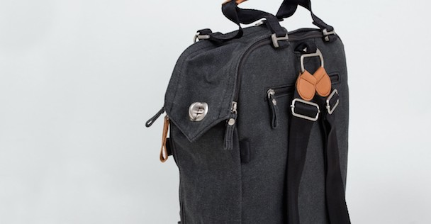 aw130030-qwstion-daypack-bag-washed-black-05