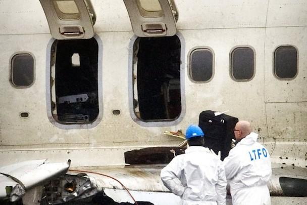 eng-plane-crash01-BM-Vermischtes-Schiphol