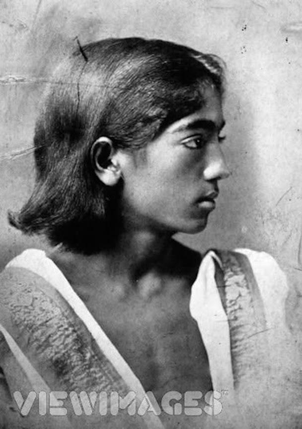 Jiddu Krishnamurti. Circa, 1910.