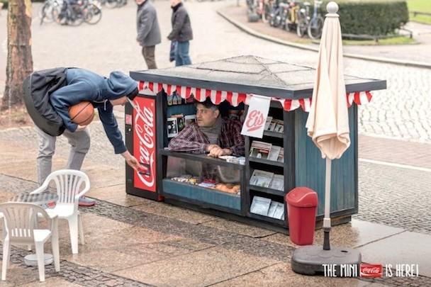 coca-cola-mini-kiosk-638x425