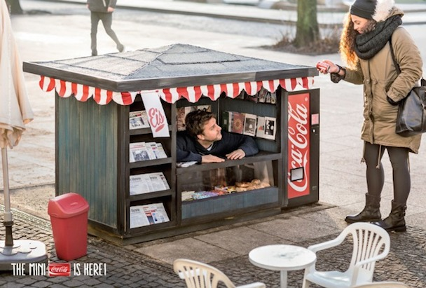 mini-kiosk-mini-cocacola