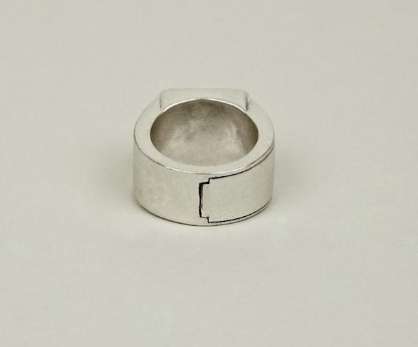 Margiela-hidden-Ring-8-630x522