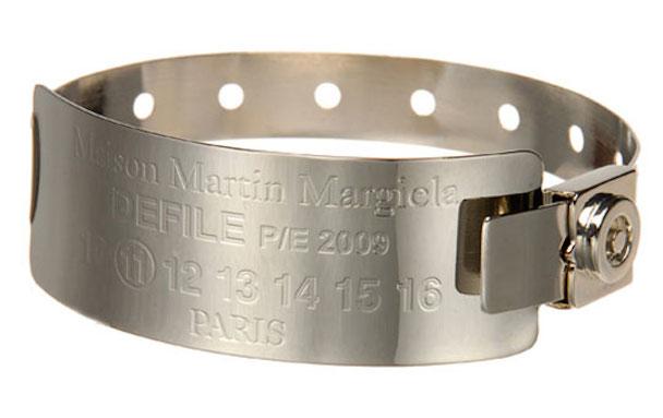 maison-martin-margiela-hospital-bracelet-front