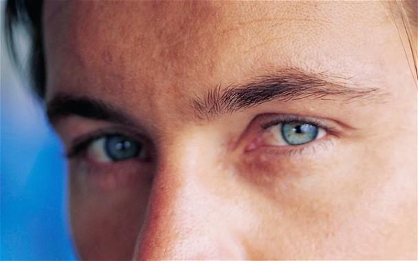 blue-eyes_2447185b