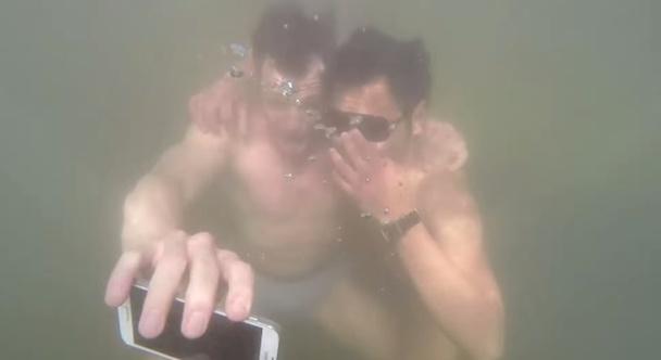 underwaterselfie_samsung