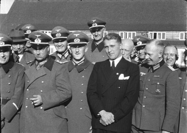Peenem¸nde, Dornberger, Olbricht, Leeb, v. Braun
