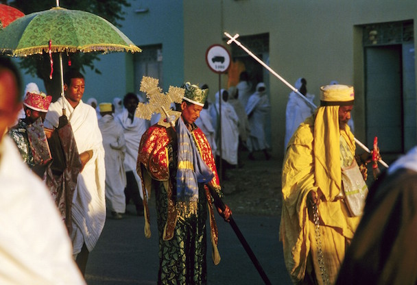 priest-carries-the-holy-ark-in-a-ceremony-in-aksum-ethiopia-1600x1094