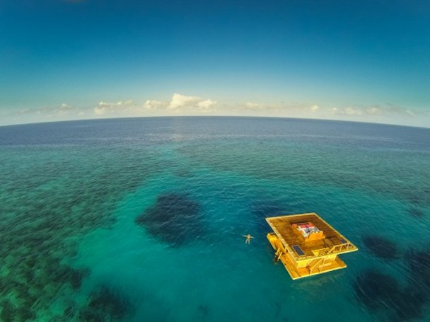 manta-resort-underwater-room-6