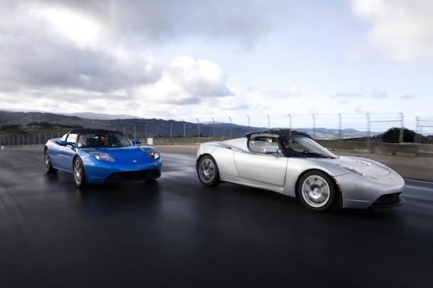 Tesla-Roadster-690x460