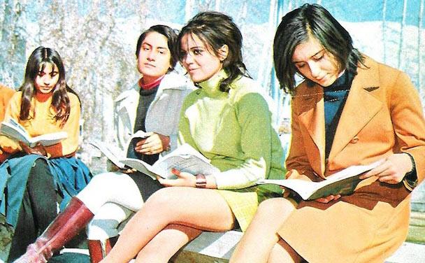 shah-iran-tehran-students-copy