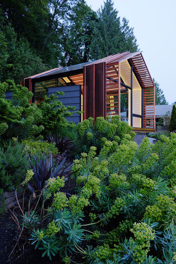 10_Garage_Cabin_Washington_Greypants_yatzer