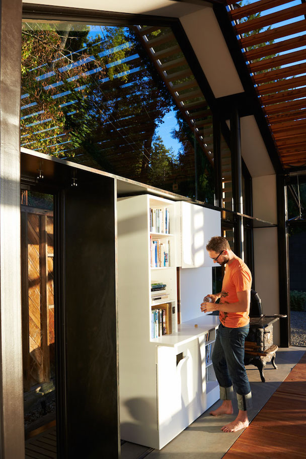 5_Garage_Cabin_Washington_Greypants_yatzer