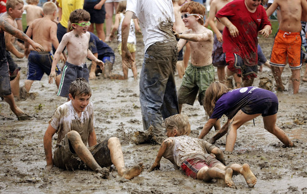 Annual+Mud+Day+Celebration+Lets+Kids+Get+Dirty+T2bDjsVY8YJl