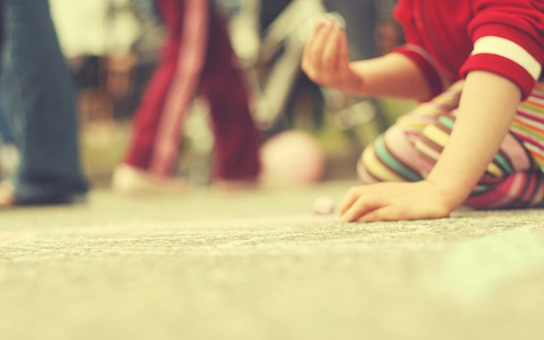 kids-play-macro-wallpaper-53cae4491817a