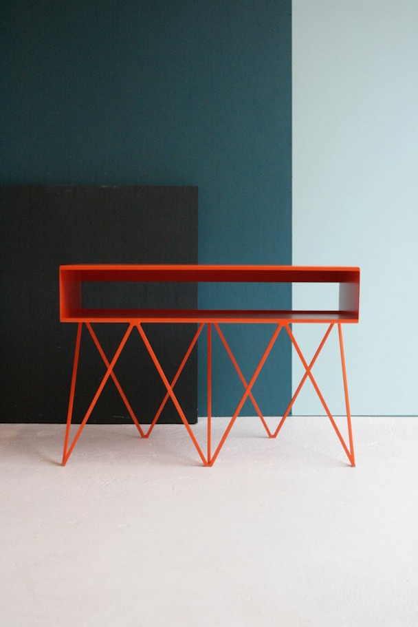 The-Minimalist-Furniture-Made-of-Steel_4-640x959