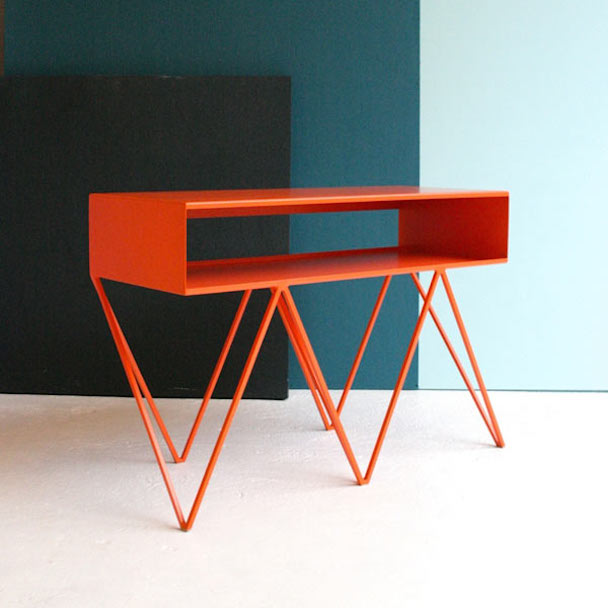 The-Minimalist-Furniture-Made-of-Steel_5
