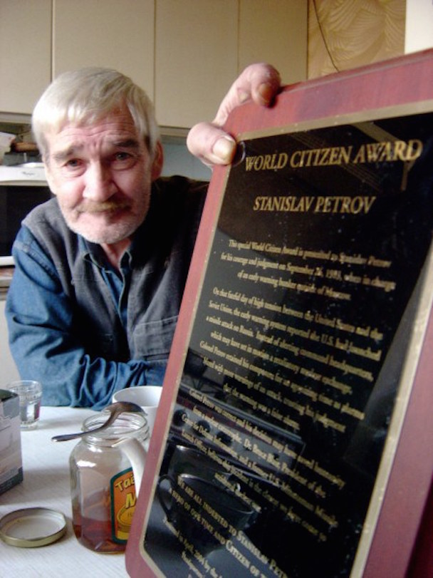 stanislav-petrov-world-citizen-award-450x600