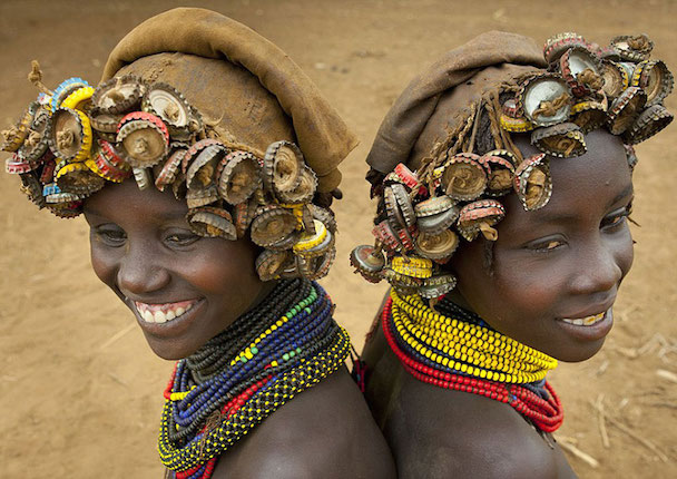 recycled-headwear-trash-jewelry-omo-valley-tribes-ethiopia-eric-lafforgue-11