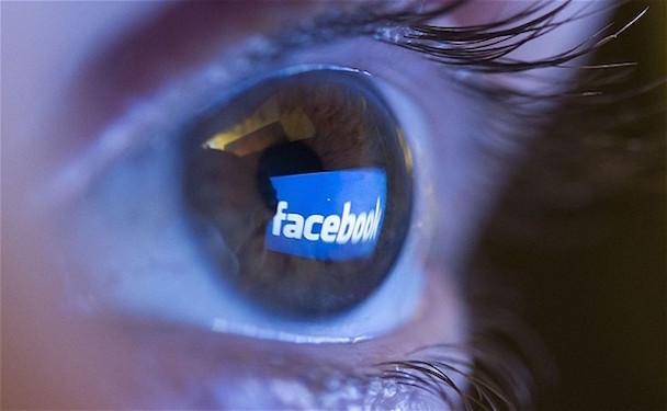 facebook-eye_2459156b