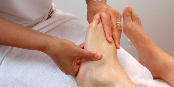 Foot-massage-600x300