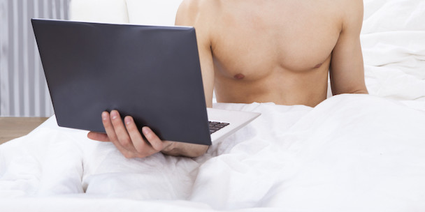 o-MAN-IN-FRONT-OF-COMPUTER-IN-BED-facebook