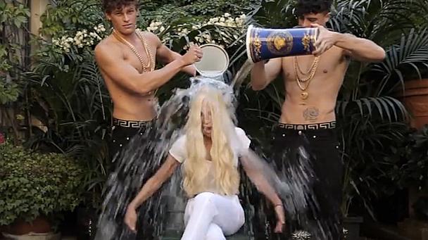 Donatella-Versace-ALS-Ice-Bucket-Challenge